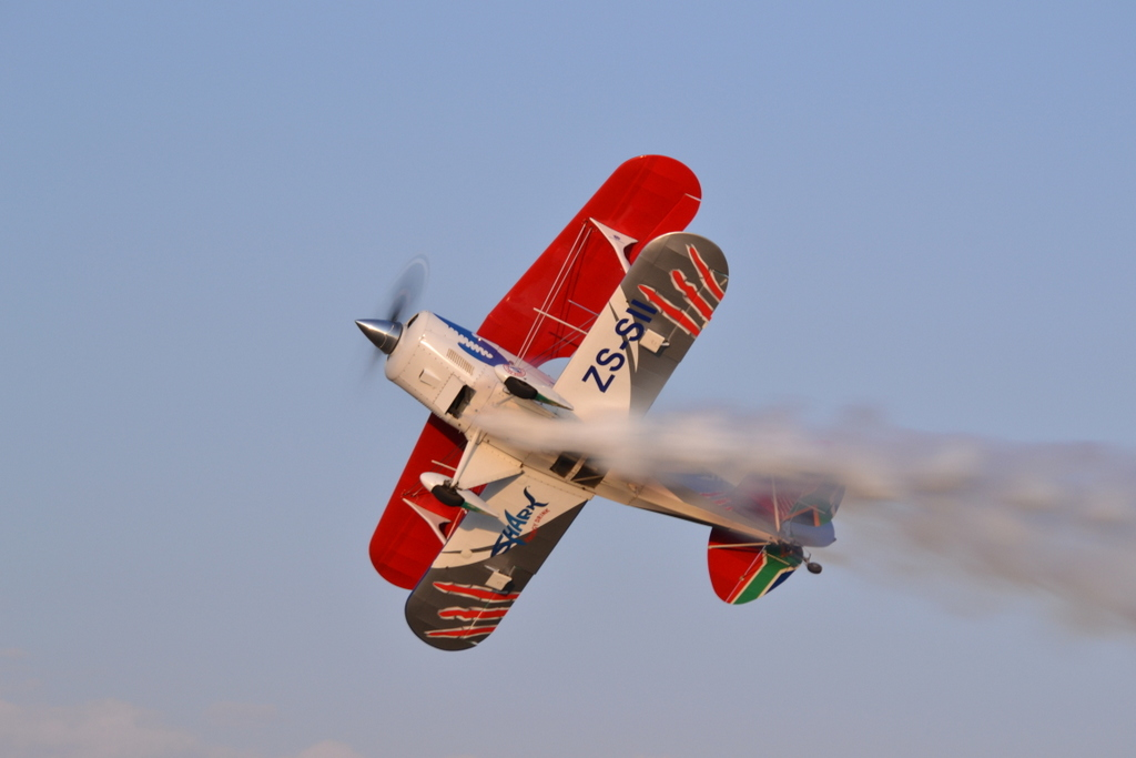 Pitts Special in flight 209