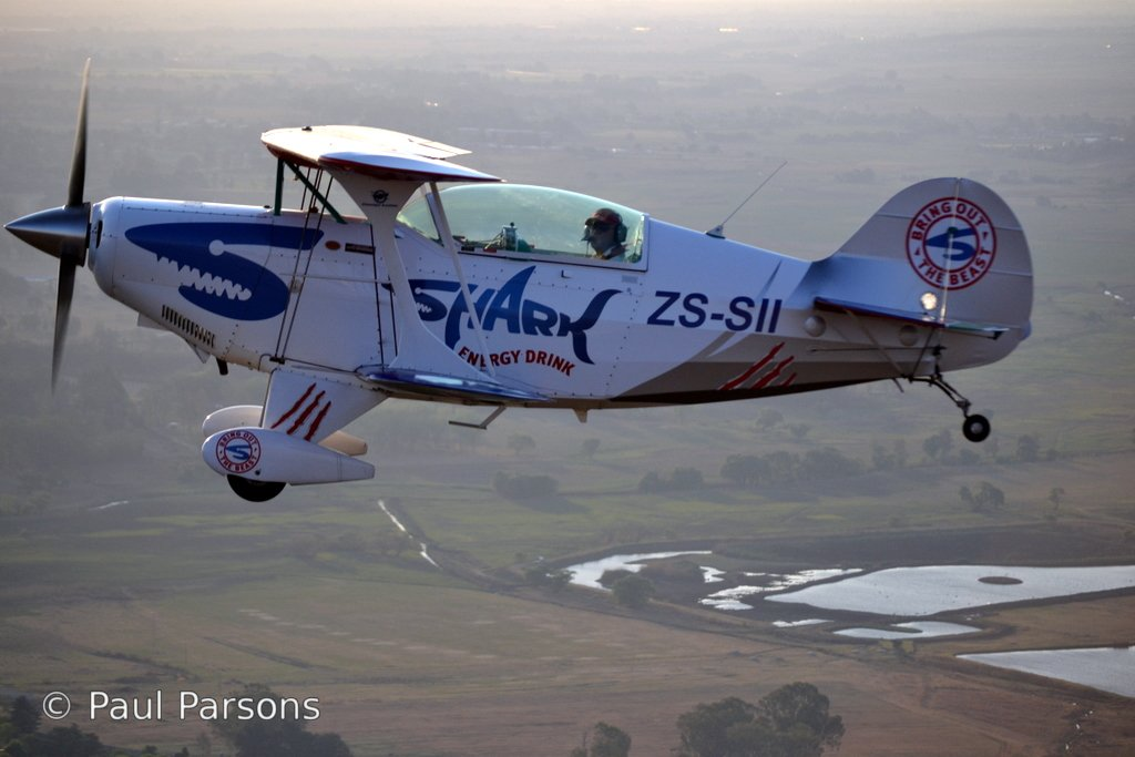 Pitts Special in flight 101