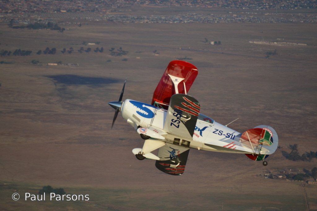 Pitts Special in flight 197